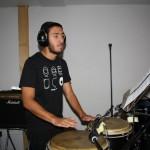 Bastien (percussions) en pleine séance